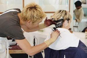 ร่วมงานกับช่างตัดผมมือโปร สไตล์ญี่ปุ่น