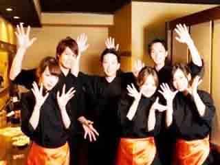 เงินเดือนสูง ร้านอาหาร บาร์ญี่ปุ่นนั่งดริ้งค์ สีลม ธนิยะ สมัครงานในกรุงเทพ ทิปดี